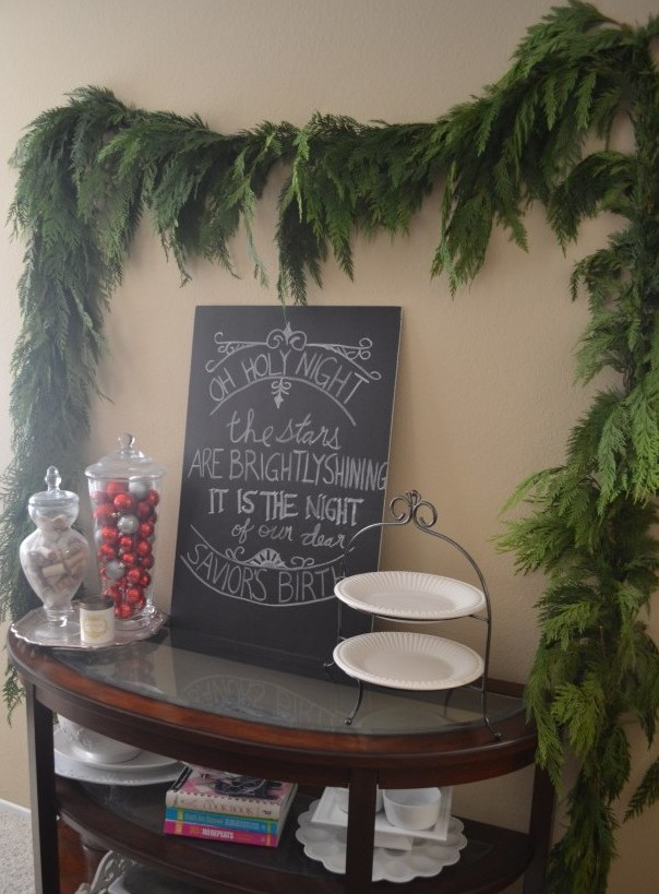 Christmas chalkboard and garland