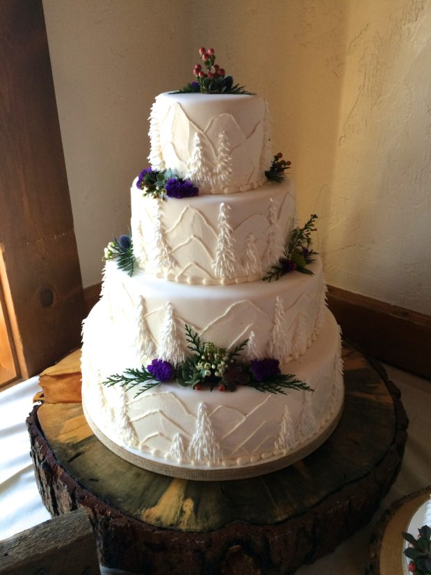 Mountain Wedding-Cake 3