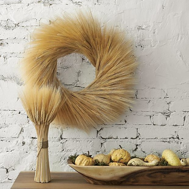8 Fall entertaining essentials. Click to see what you need to throw a great party during fall.