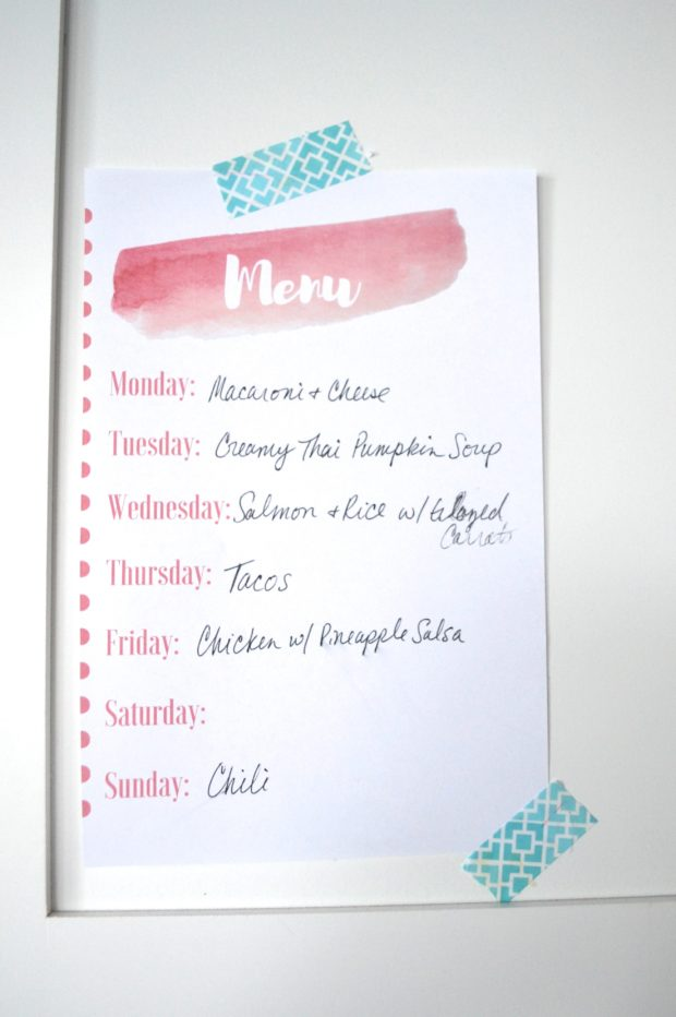 Get a free weekly menu planning calendar and all the tips to help get your weekly dinners organized!