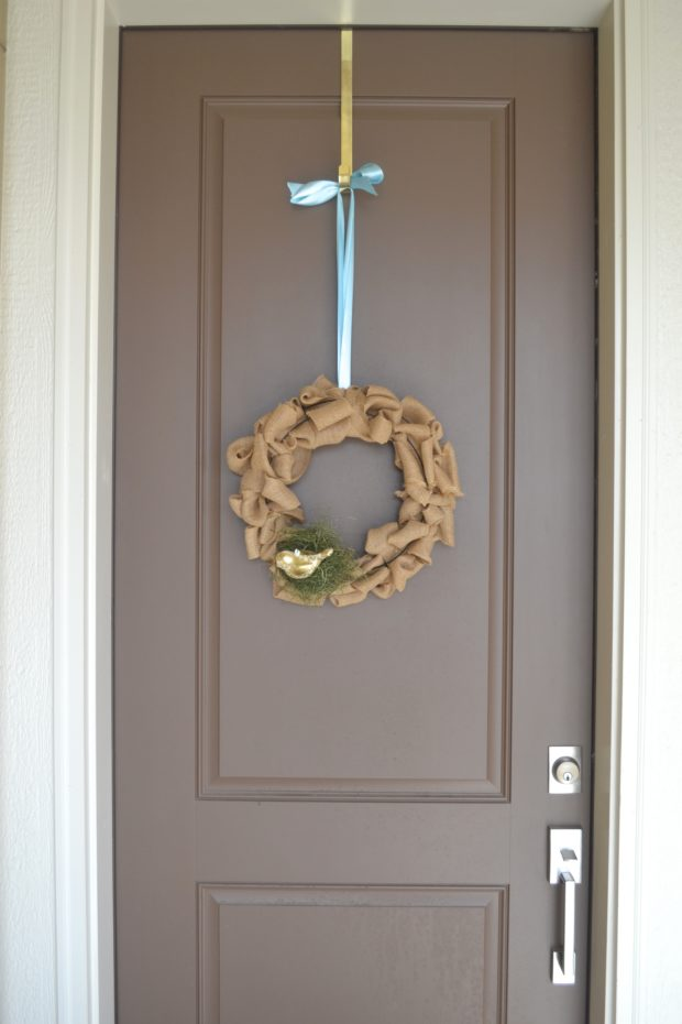 DIY Spring Burlap Wreath tutorial, decorate for spring, front door burlap wreath for spring.