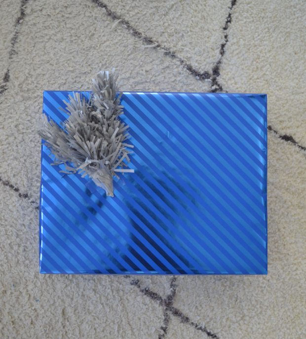 3 Simple Ways To Wrap Pretty Gifts The Daily Hostess