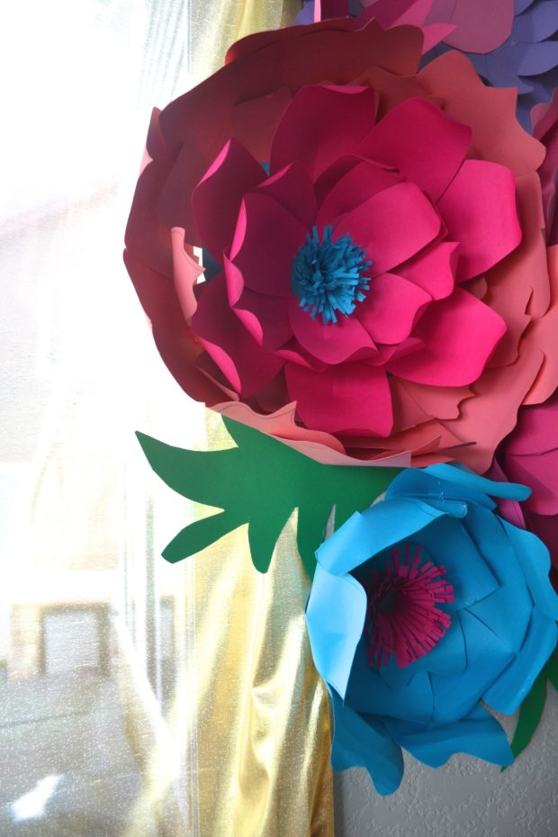 Diy large paper flowers the daily hostess diy large paper flowers mightylinksfo