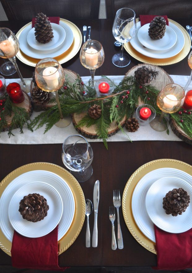 Christmas tablescape, Christmas table settings, Christmas table decor, rustic table decor, rustic Christmas centerpiece