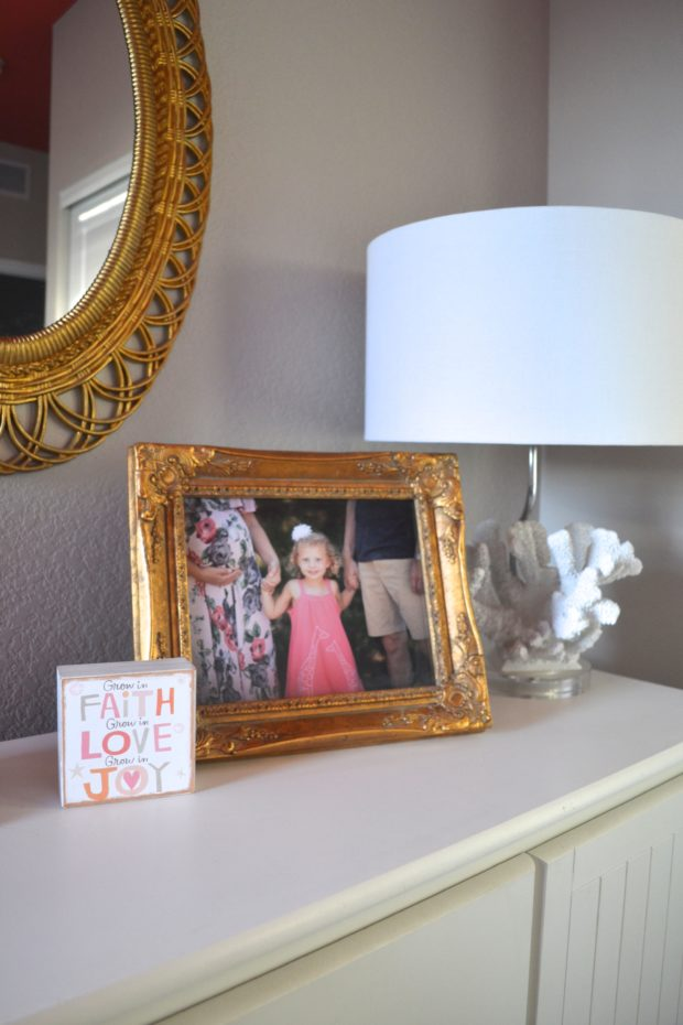 flamingo themed bedroom, big girl room ideas, flamingos, flamingo decorations, girls bedroom