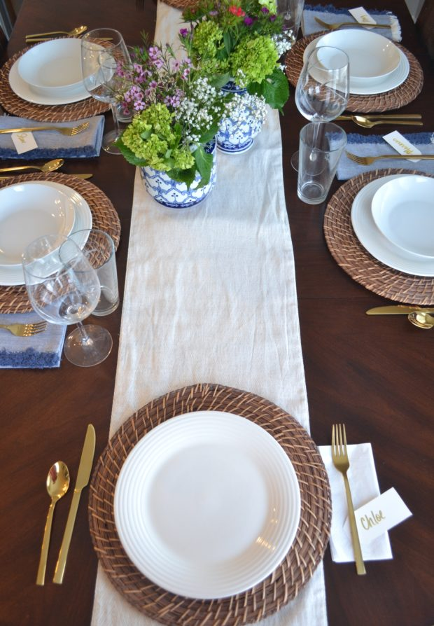 blue and white spring tablescape, ginger jar centerpiece, spring table ideas, gold flatware