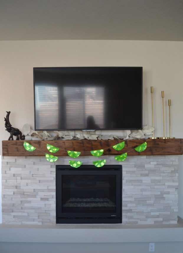 DIY St. Patrick's Day garland, easy diy wrapping paper garland, green garland, St. Patrick's day decor