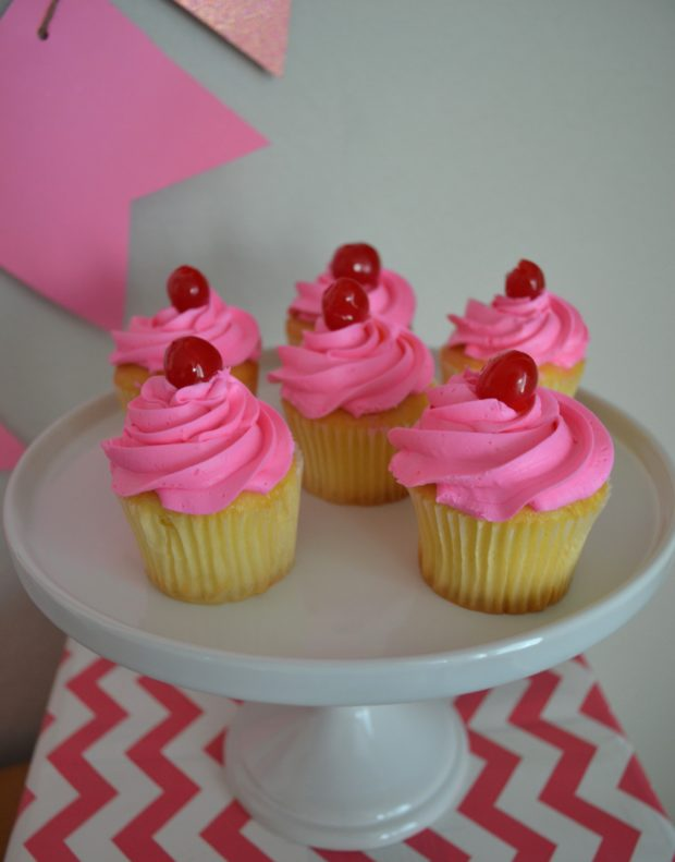 Pinkalicious party ideas, Pinkalicious fairy wands party craft, Pinkalicious party crafts, Pinkalicious cupcakes
