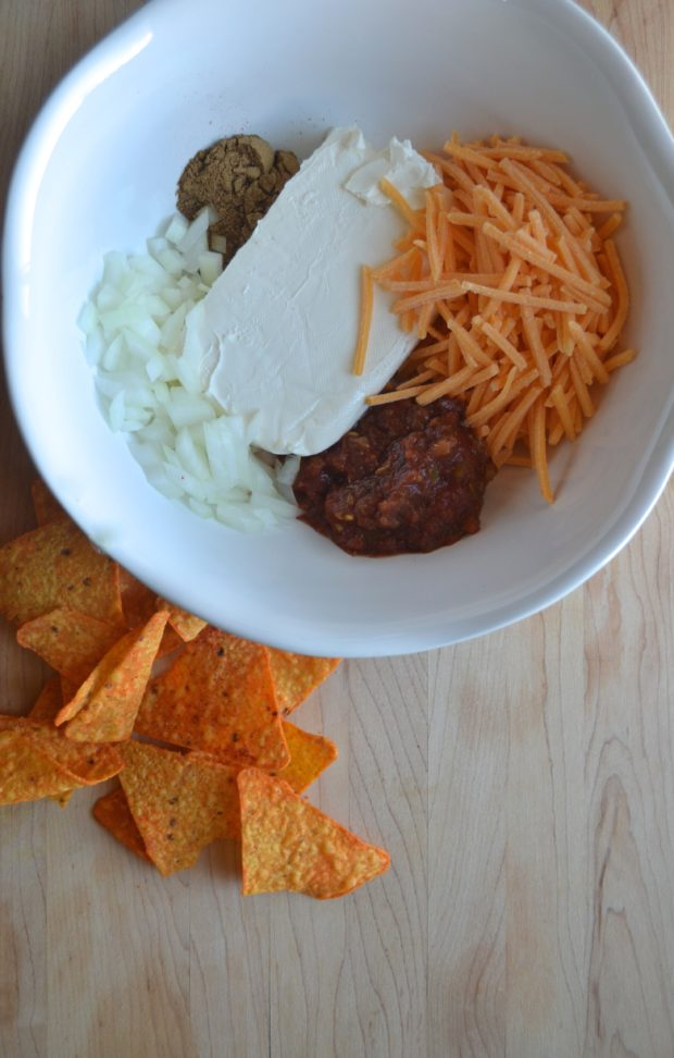 Halloween appetizer recipe, cheeseball recipe, pumpkin cheeseball