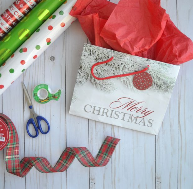 how to wrap Christmas gifts, Christmas gift wrapping, Christmas wrapping paper, what you need to wrap gifts