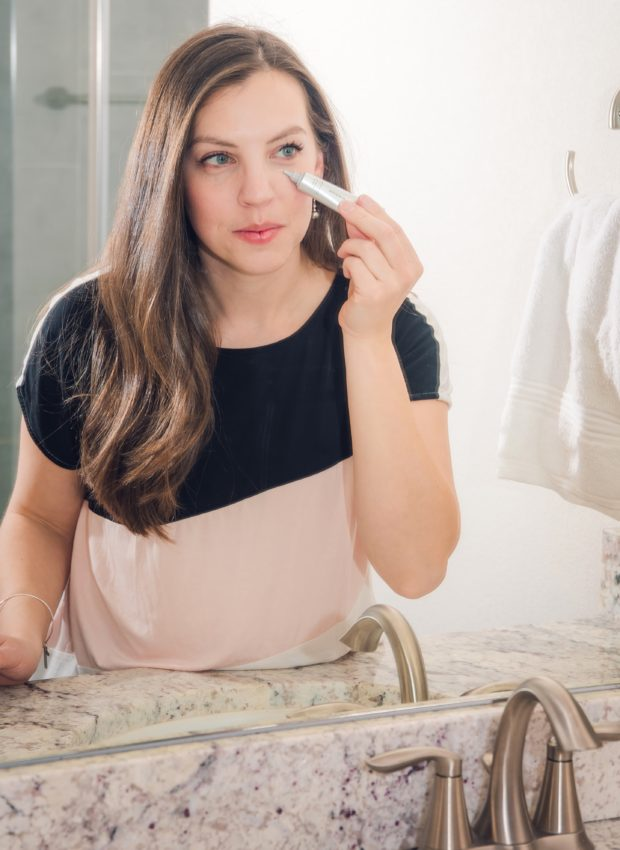 Get party ready skin with a simple routine, skincare routine, beauty routine, beauty tips to look your best at your party #beautyroutine #skincareroutine #partyready